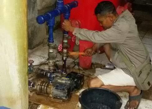 Membuat Sumur Bor Bali